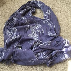Banna republic outlet thin scarf with birds
